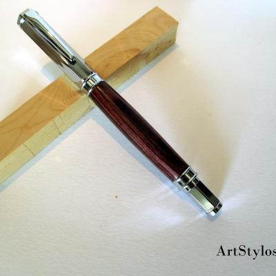 Stylo plume en bois de Violette