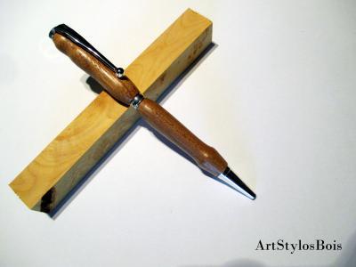 Stylo bille en bois d'Orme champêtre