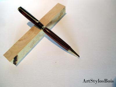 Stylo bille en bois de Violette