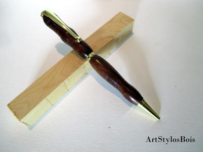 Stylo bille en bois d'Angélique