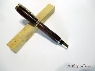 Stylo plume en bois d'Angélique