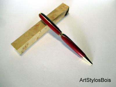 Stylo bille en bois de Morta et Red Heart