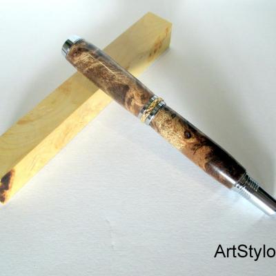 Stylo Roller en bois de Loupe de Peuplier Stabilisé Marron