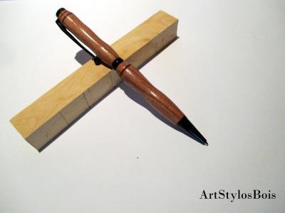 Stylo bille en bois de Merisier