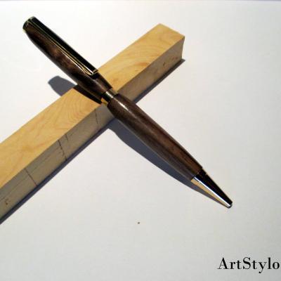 Stylo bille en bois de Noyer noir