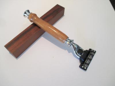 Rasoir Gilette Mach 3 en bois de Merisier