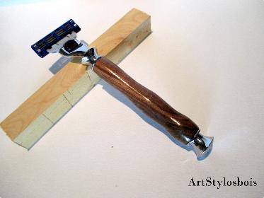 Rasoir Gilette Mach 3 en bois de Noyer